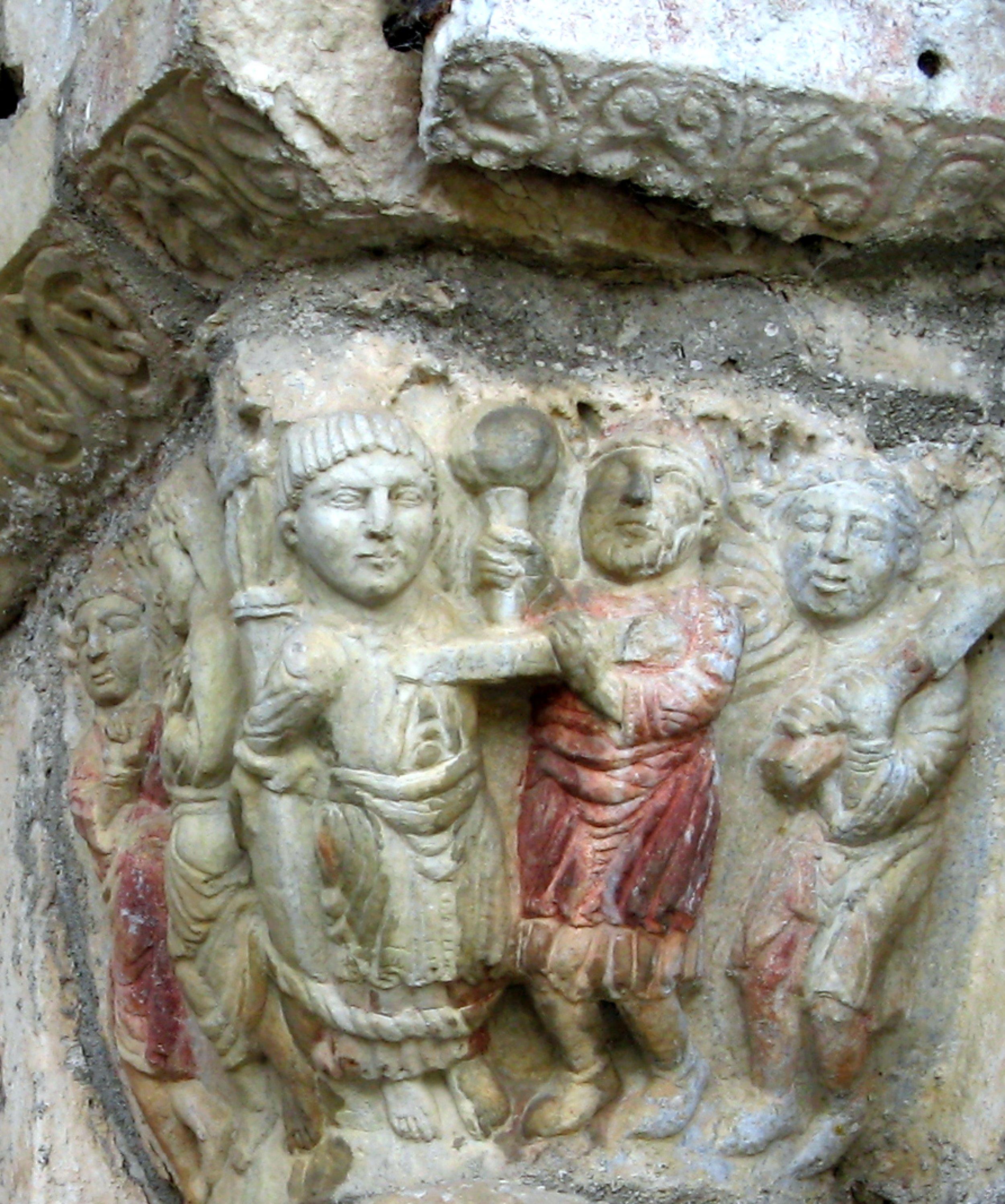 Saint-Just de Valcabrère, entrance, side column capital