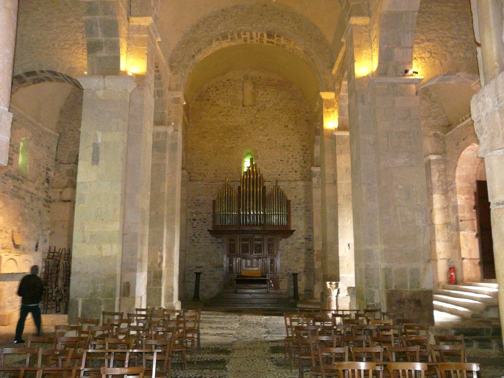 Saint-Just de Valcabrère, interior, looking towards the organ at the back of the church