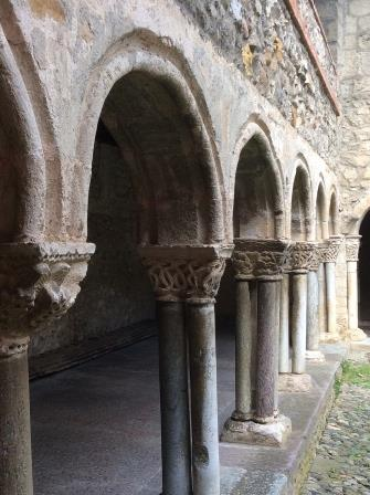 St. Lizier, Portail, Cathedral Cloisters, photo J. Cook