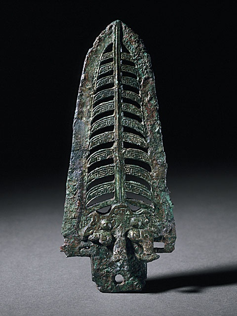 China Dagger Axe (Kui) with Masks, Cicadas, and Bird, Late Shang dynasty, late Anyang phase, or early Western Zhou dynasty, about 1100-950 B.C. Metalwork; bronze; weapon, Cast bronze (Image courtesy of collectionsonline.lacma.org)