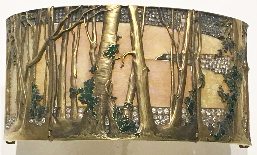 The Woods Choker, gold, opals, enamels and diamonds, 1898-99, René Lalique. Museu Calouste Gulbenkian, Lisboa. (Photograph J. Cook)