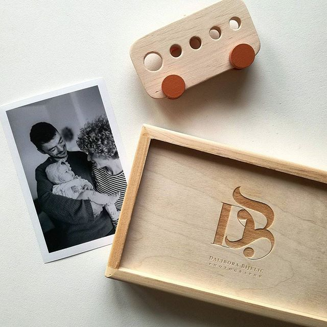 I love it when my clients send me photos of the package they get from me! I am thinking about what is the perfect way for my clients to enjoy the results of our time together. I love prints! I love wooden boxes! I love nice things in small packages. Would you like your photos to be delivered to you like this? #memoriesbydalibora #daliborabijelicphotography #familygoals #familyphotography #family #loveauthentic #momentdesign #rangefinderfamily #familyportrait #familylove #childrenportrait #childrenlove #familysession #childphotographer #Rijeka #pricelessmoments #documentaryfamilyphotography