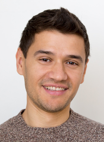 """""""I cannot recommend Bellingua highly enough. I find the school's teachers and the overall learning model very efficient and rewarding. I started from zero with Bellingua and after two years following the evening course, I now have a B1 Goethe certificate and am on the path to speaking German fluently.""""   Marius from Romania"""