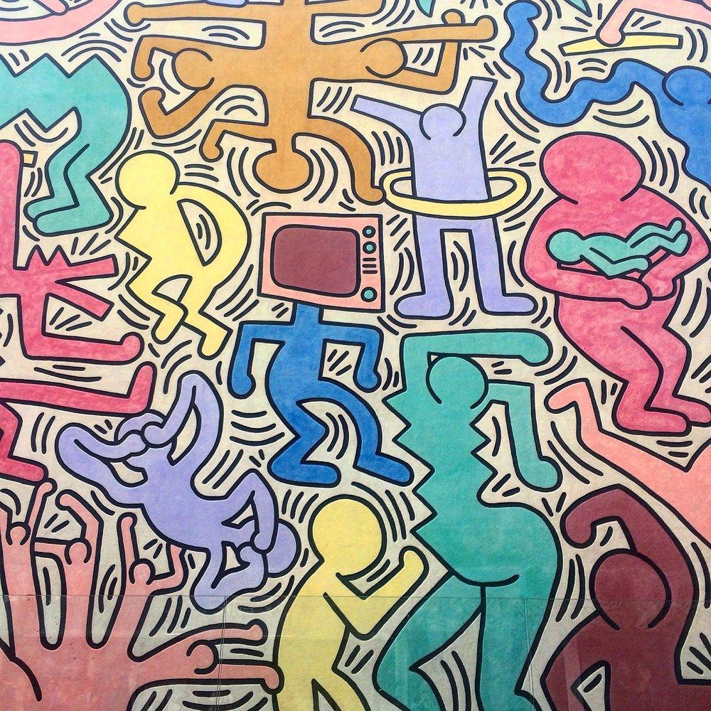 Keith Harring, Wall Mural, street art, Pisa, Graffiti, Italy https://pixabay.com/en/keith-haring-murals-art-graffiti-2174269/