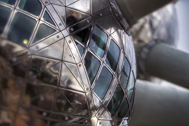 Ground Control (to Major Tom) @atomium.official #Brussels #Belgium #atomiumbrussels #modernarchitecture #dramaticsky #ominousclouds #shaftoflight #onreflection #alien #spaceship #spaceoddity #davidbowie