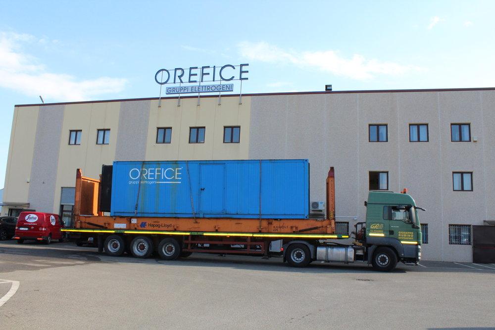1250kVA perkins container generator.JPG