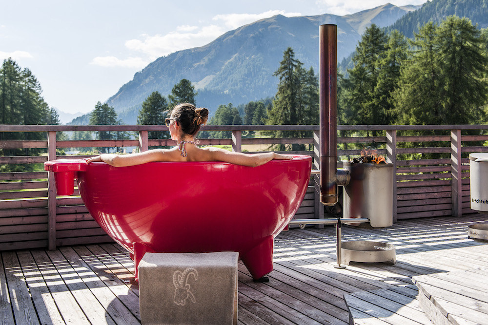 Hotel Paradies_Wellness_DutchTub_Frau_Quer_2©Arnt Haug.jpg