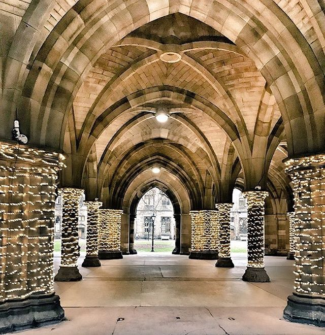 Last day of exams! 🎉🎉🎉 To celebrate here's a twinkly photo of our cloisters - Holidays are coming! 🎅🏽🎄❤️🎄🎅🏽❤️ And check out our special Festive video in our stories ⬆️ 📸 Aine Allardyce  #universityofglasgow #UofGChristmas #TeamUofG #glasgowuniversity #holidaysarecoming #hogwarts #visitscotland #glasgowuni #festivelights #christmas
