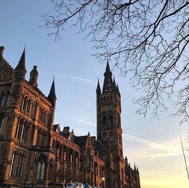 Beautiful light this morning making any post Christmas/January blues that little bit better 👍☀️ 📸 @alihowardallan  #regram #UofGwinter #universityofglasgow #glasgowuni #glasgowuniversity #visitscotland #glasgow #scotland