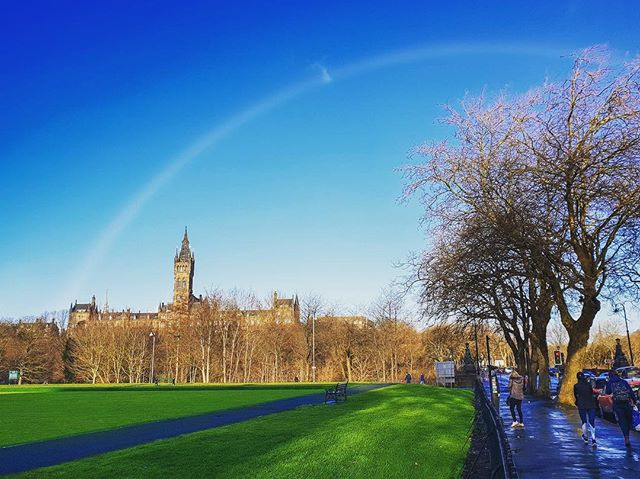 Beautiful 🌈 over #Glasgow today and look what treasure is at the end of it.... 🏰❤️ #universityofglasgow #rainbow #glasgow #glasgowwestend #TeamUofG #glasgowuniversity #glasgowuni #kelvingrovemuseum #peoplemakeglasgow #visitscotland #uofgwinter #scotlandisnow