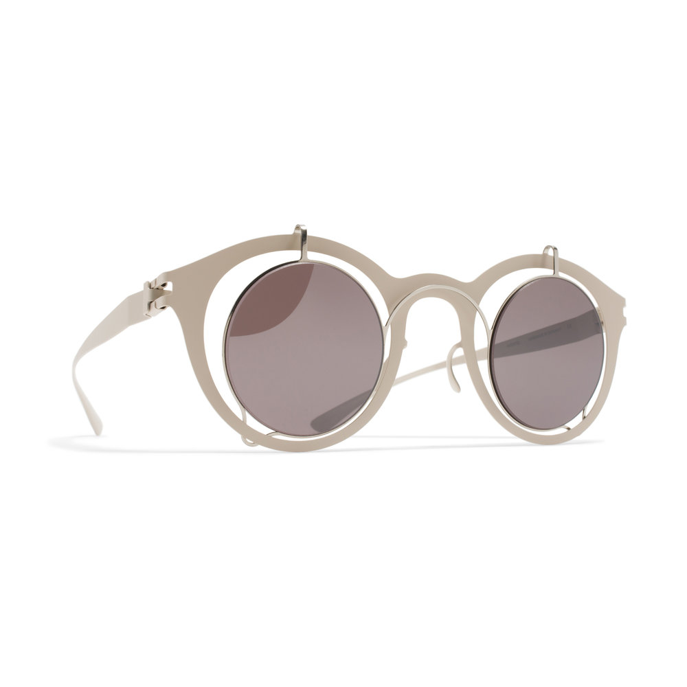 THROWBACK - In 2015 MYKITA / DAMIR DOMA launched a model called BRADFIELD. A melange between historical forms of the frame, the Pantoform, and the geometrically perfect round shape of the inner lenses. Starting from here the passion for round and geometric forms has been developed until today.