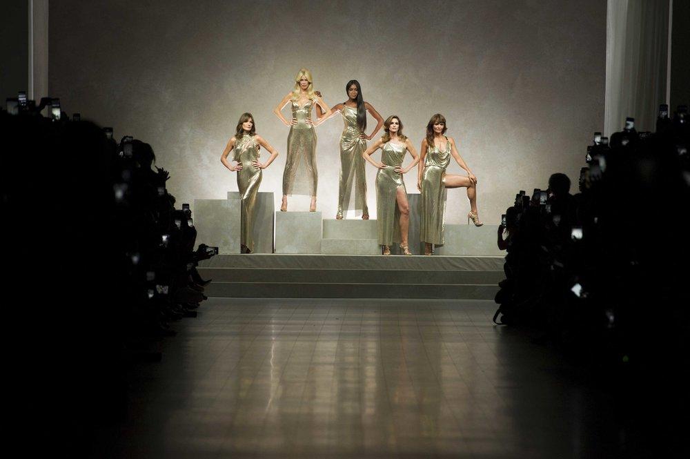 versace_women_ss18_tableau_HR.jpg