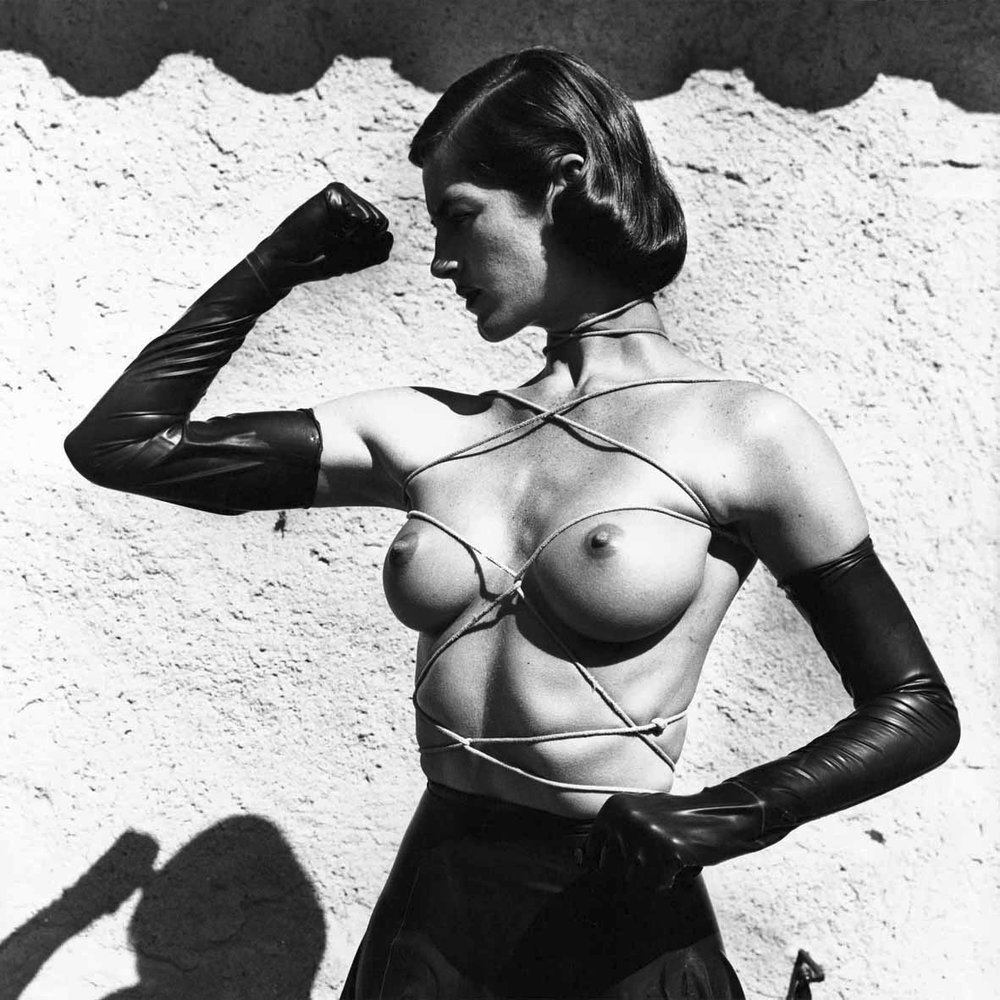 9_Helmut-Newton_Tied-up-torso_Ramatuelle-1980_copyright-Helmut-Newton-Estate.jpg