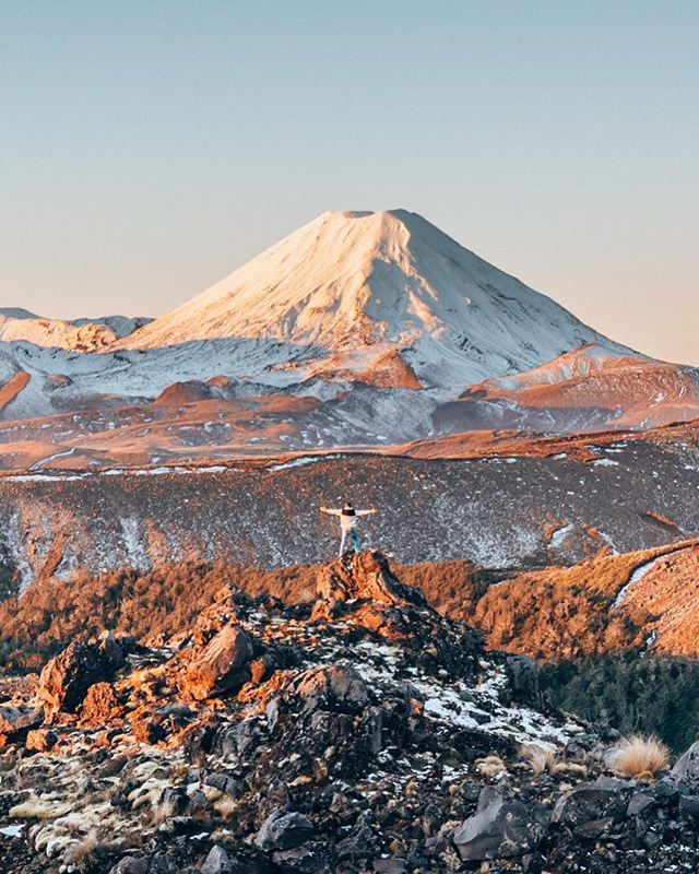 If you haven't already, go check out @flipflopwanderers Tongariro NZ trip on the GoHype app! Bram & Manon have made it easy for you to experience a trip just like theirs. Up to £25/$30 off your booking. Link in bio 👉 @gohypetravel ⠀⠀⠀⠀⠀⠀⠀⠀⠀ #gohypetravel #newzealand #nzmustdo #destinationnz #purenewzealand #newzealandvacations #newzealandguide #newzealandfinds #realmiddleearth