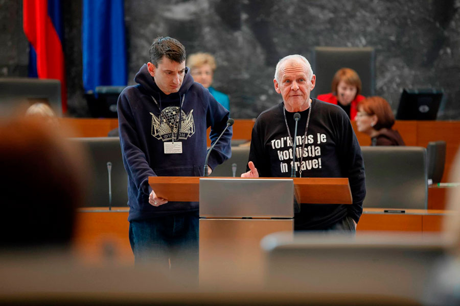 (Rick Simpson at Slovenian Parliament, Matej Mitrusevski)
