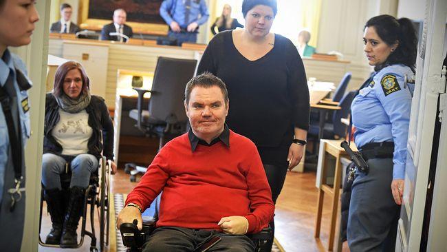 (Andreas Thörn leaves courtroom after negotiations in Svea Hovrätt 2016, PO Sännås / Aftonbladet / IBL)