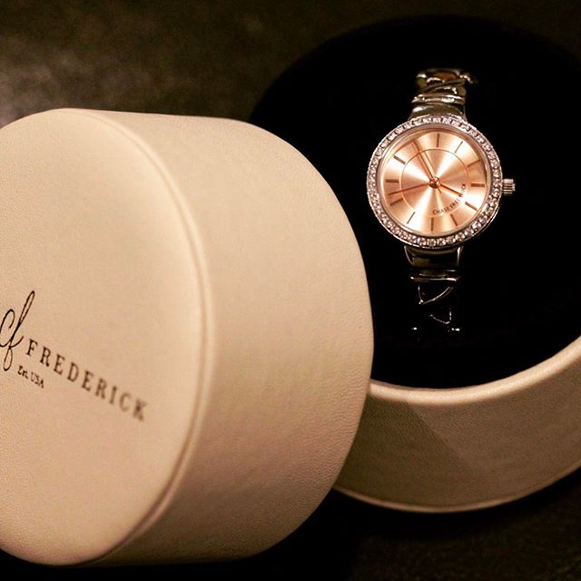 Rose gold Automatic #automaticwatch #chaseyourwatch #womenstimepieces #jewelry #socialenvy #wearabletherapy #fashion #bling #accessories #love #crystals #beautiful #style #fashionista #accessory #instajewelry #stylish #fashionjewelry