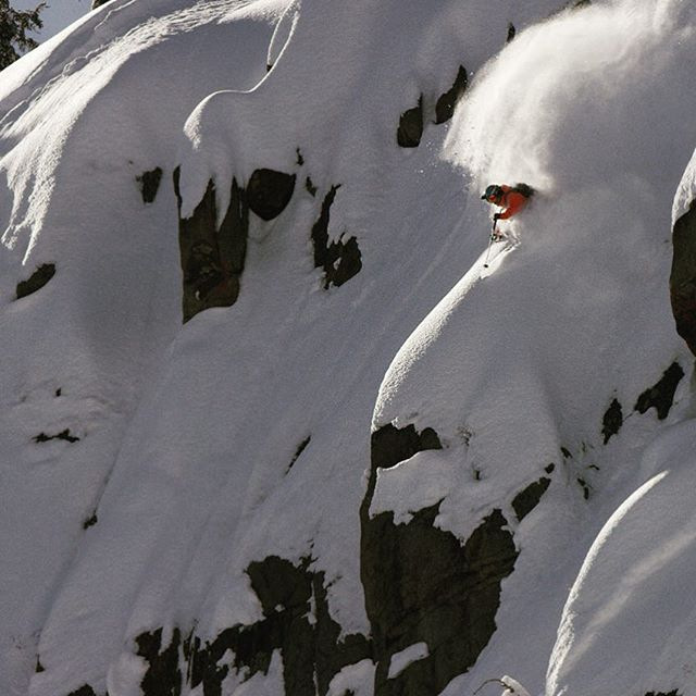@joshdaiek deep in the sublime conditions we've had here in the Tahoe backcountry. Lots more from this day. Fun crew with @thewillygoat @davetrout 🎥: @danehenrydigital - still from video -------------------------------------- #tahoe #pow #joshdaiek #skiing #freeski #salomonfreeski #sending #deep #backcountry #backcountryskiing #laketahoe #pillows