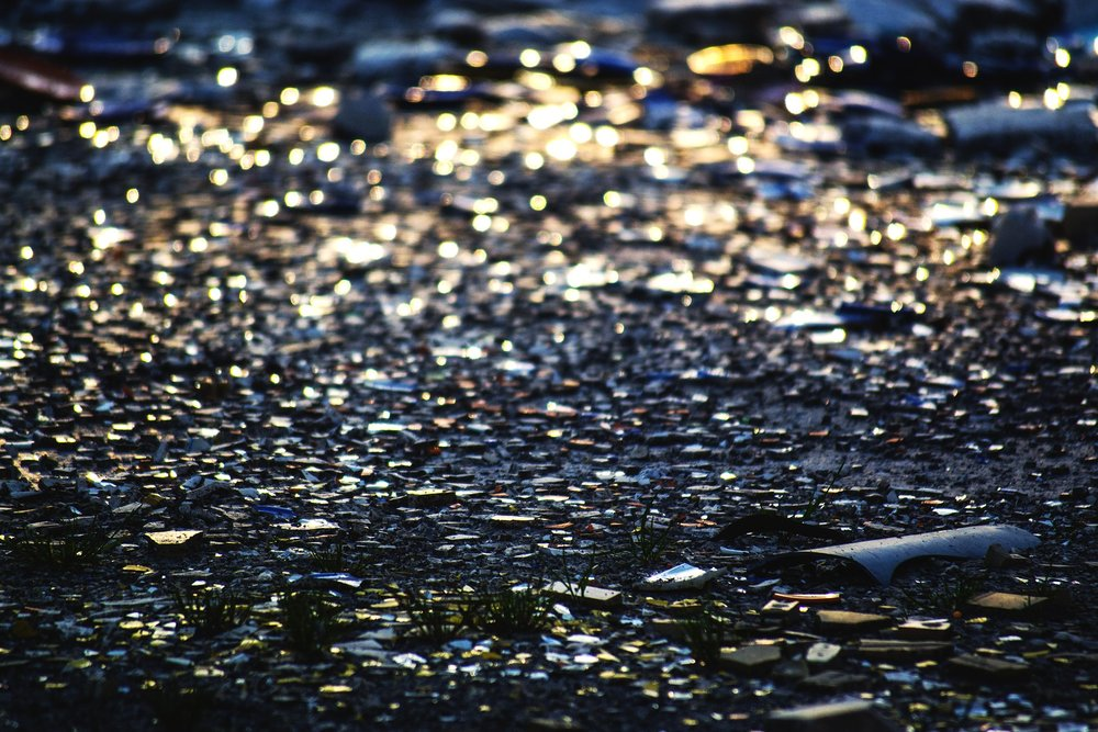 broken-glass-1996990_1920.jpg