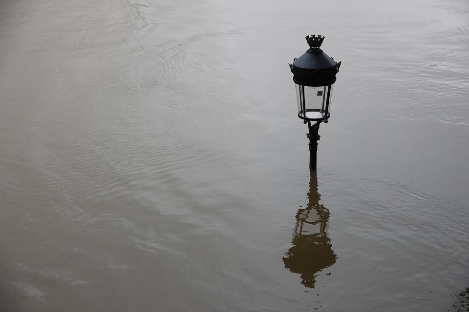 floor-lamp-2384452_960_720.jpg