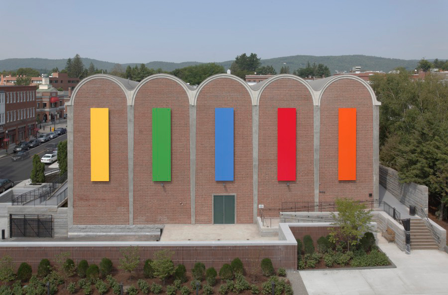 Ellsworth Kelly Dartmouth Panels (2012) Painted aluminum Panel: 266 x 66 x 4 1/2 in. (675.641 x 167.64 x 11.43 cm) Hood Museum of Art, Dartmouth College: Gift of Debra and Leon Black, Class of 1973 © Estate of Ellsworth Kelly 2012.35