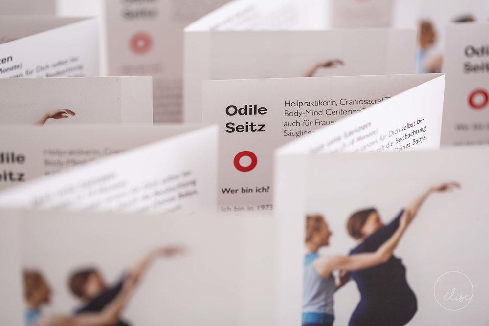 Flyers für Odile Seitz, die Kurse und Einzelsitzungen für Schwangere und Kinder anbietet