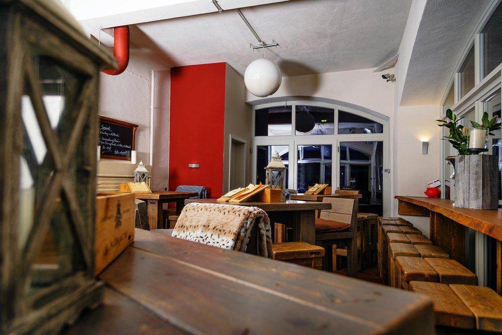 Chambino - Bar & Bistro