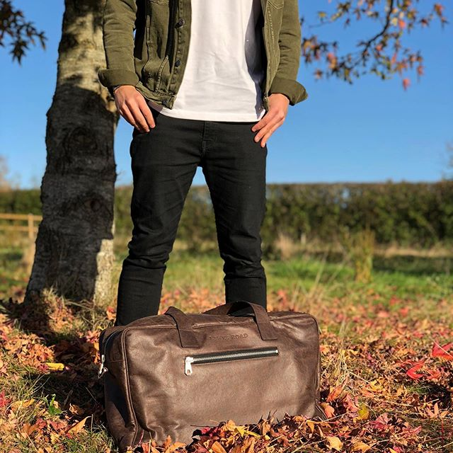 Summer travel plans? Take our Erikson Holdall along with you 🧳 . . . #luggage #travel #bag #bags #leatherbag #mensfashion #mensbag #womensfashion #womensaccessories #travelgram #holiday #vacation #travelpartner #recycledfashion #recycle #roadtrip #travelphotography #nature #instagood #instatravel #instatravelling #explore #adventure #traveling #travelling #traveller #adventurer #livetheadventure #happy #lifestyle