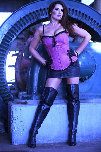 pinkleathercorsetboots