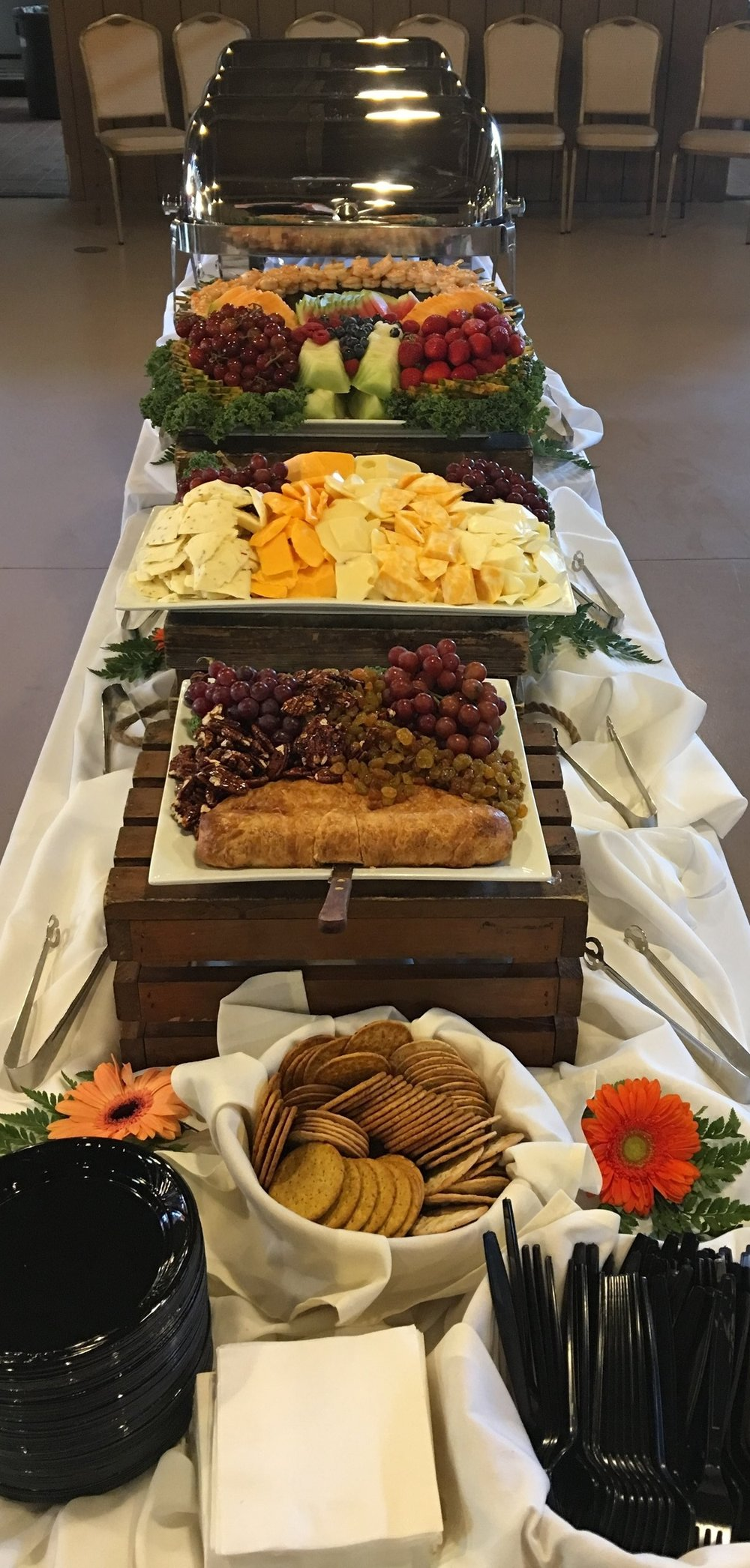 Cam Ranch buffet 3.jpg