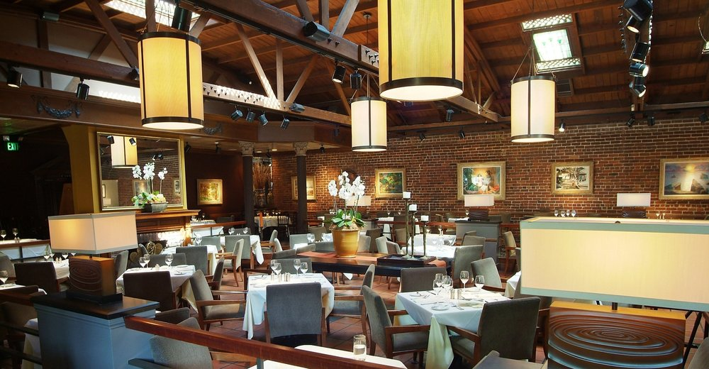 Parkway Grill's main dining room