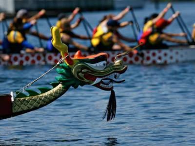 dragon boat head.jpg
