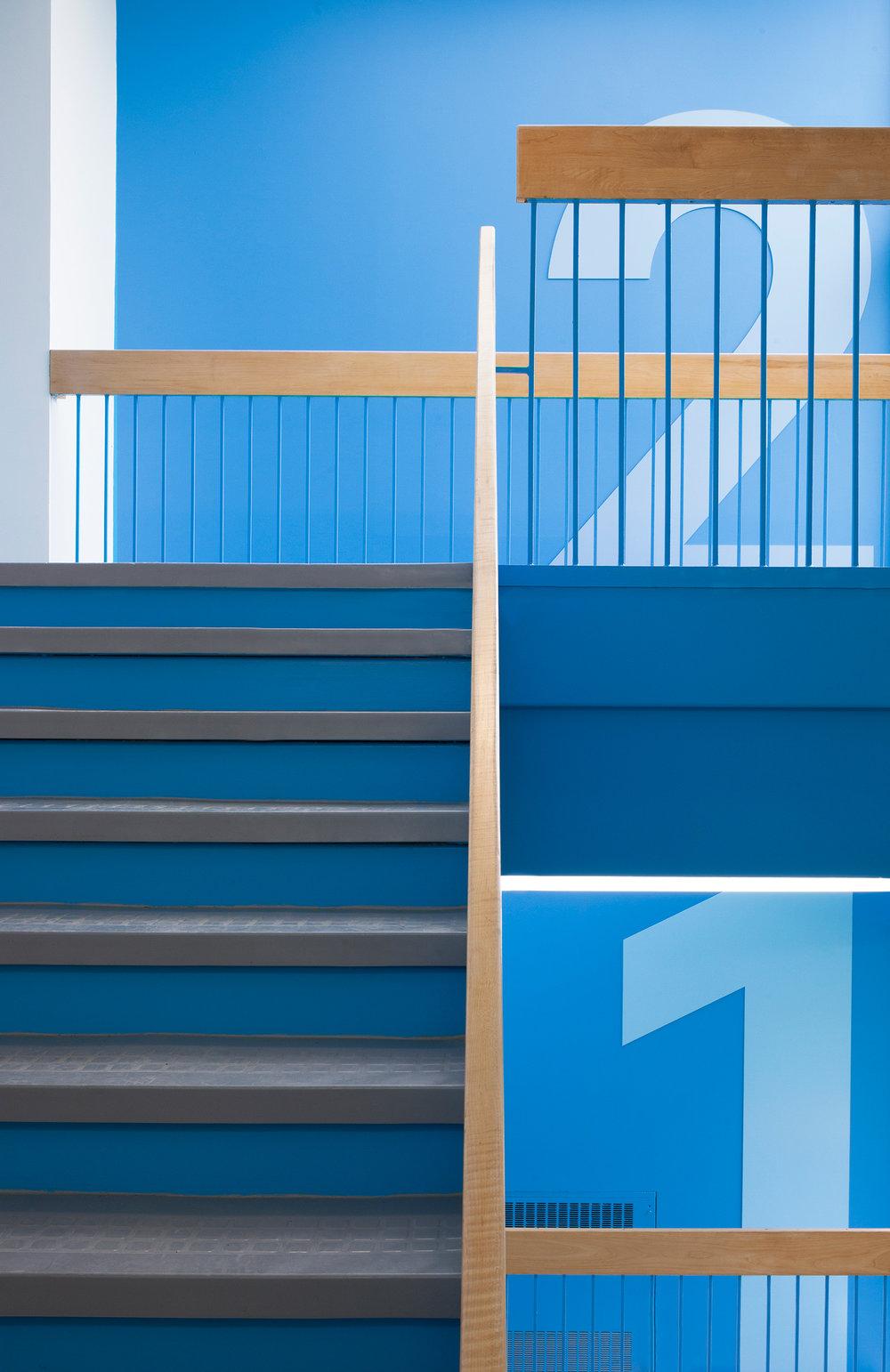 Marianne-Girard_Taktik_Academie-Sainte-Anne-escalier.jpg