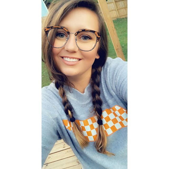 Haunted house tonight with some friends repping the Vols with this @flyingcolorsapparel sweatshirt! Thank you so much @flyingcolorsapparel for sending it to me!