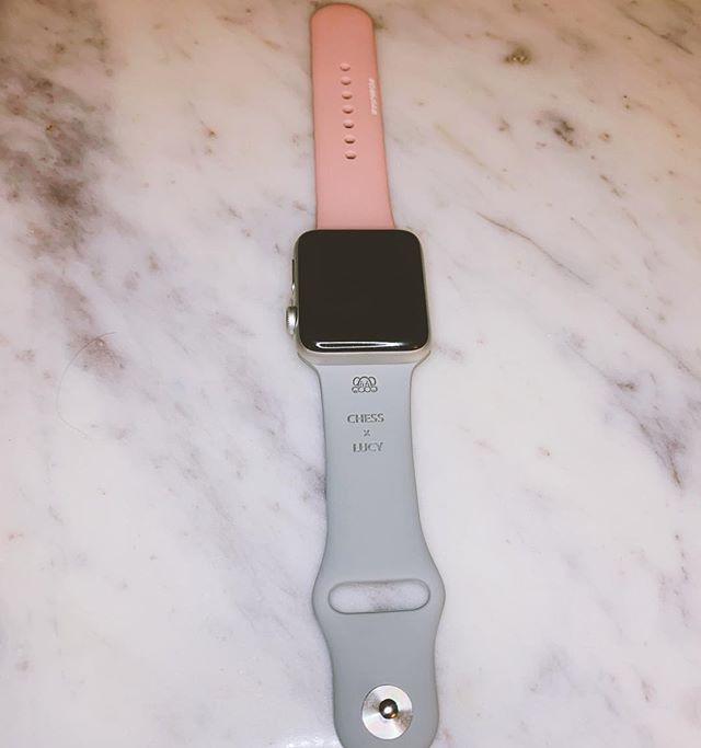 Loving with this @woofowear Apple Watch band they sent me with mine and @apupnamedlucy 's names on it. Like how cute is this? Y'all should def check them out if you're a dog lover like me. Also, Lucy got a little jealous I wasn't paying attention to her so swipe to see some bloopers.