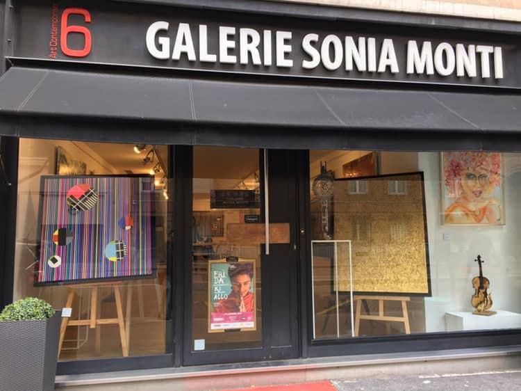 Vernissage at Galerie Sonia Monti. Paris 8. April 4 2019.