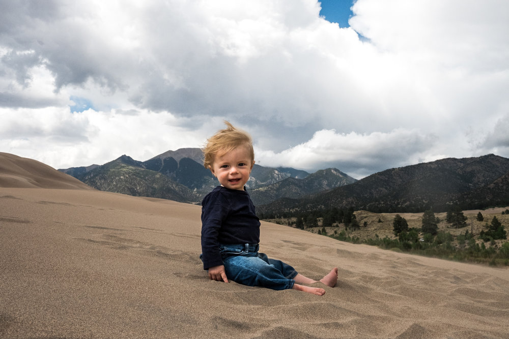 child and family photographer in san louis valley colorado