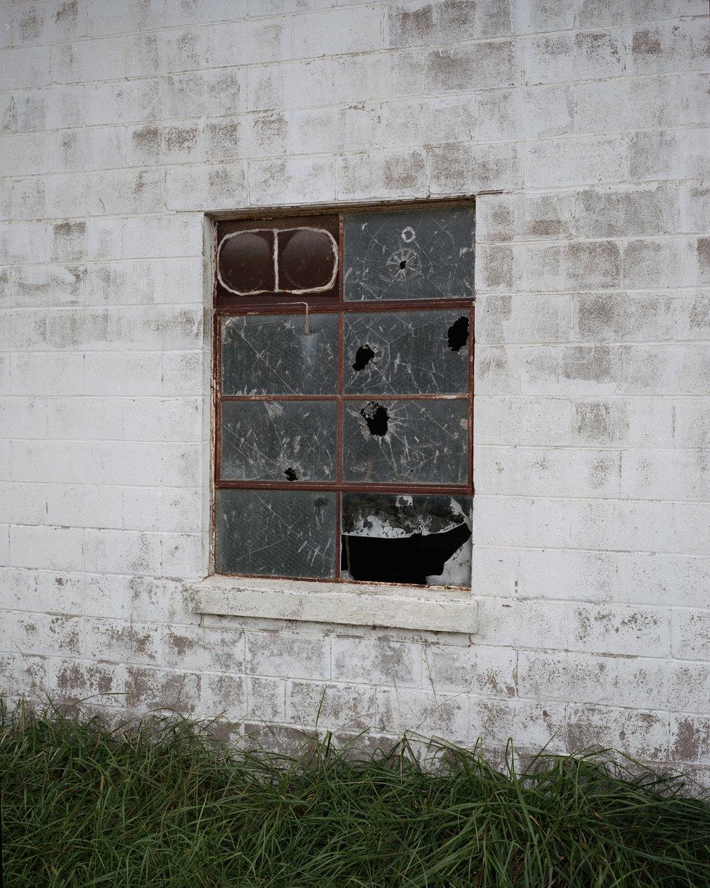 broken window004.jpg