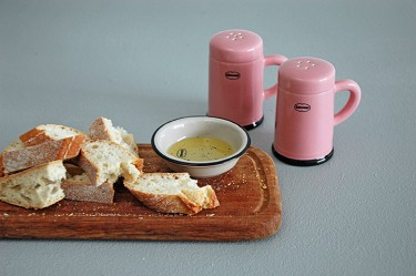 SALT_AND_PEPPER_SHAKER_PK_b_-313-375-375-100.jpg