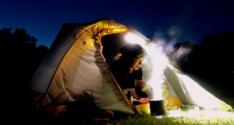 A-Warm-Meal-On-A-Very-Chilly-Night-photo-Rob-Vandermark-480x258