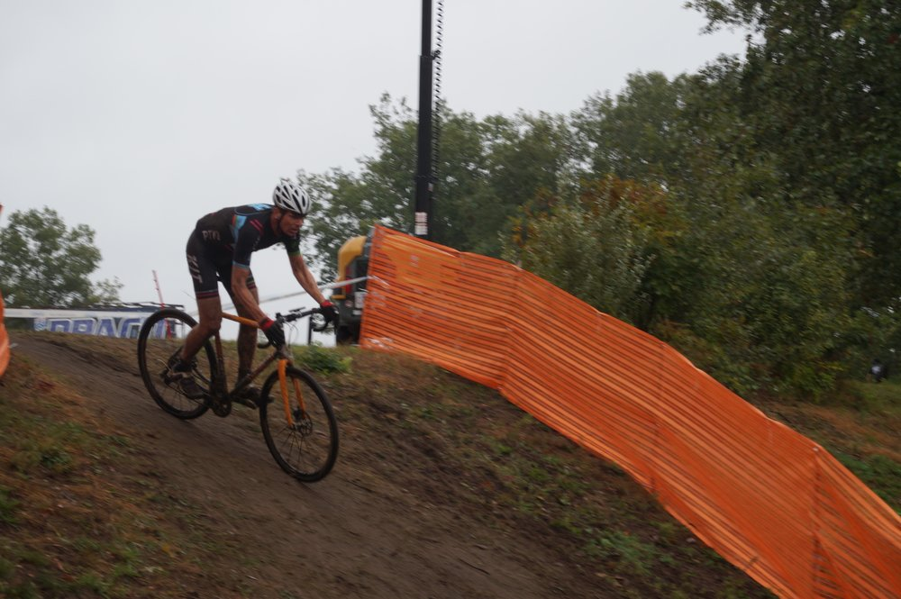 With a few simple changes Henry adapts his Evergreen for cyclocross racing.