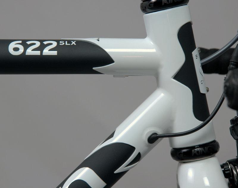 622-slx-white-frame-front.jpg