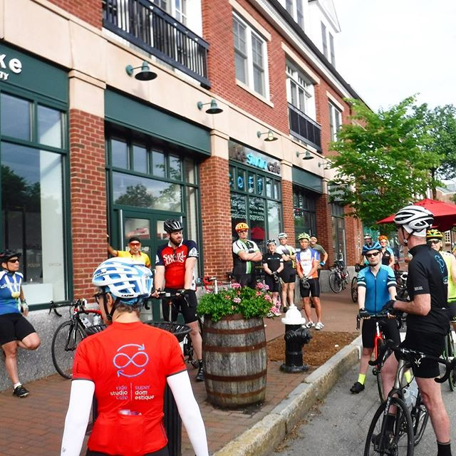 Group rides abound this weekend and all are on! Of special note: the Decaf Coffee ride is happening this Sunday, rollout happens around 9:10am. This ride is well led at a 13-14mph average pace and is 36 miles in length. Don't miss this opportunity on Sunday! #groupride #decafcoffeeride #manygrouprideoptions