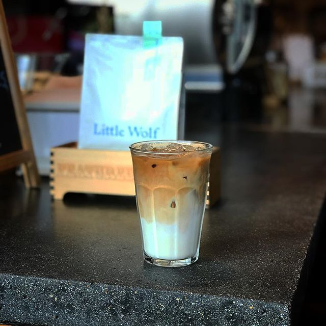 Beat the heat with an iced latte! Candelaria from Guatemala roasted by @lilwolfcoffee is on Espresso today!