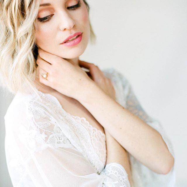 @katieriveraphoto Captured the adorned lace robe so beautifully! Be on the lookout today for more from this lovely shoot! Can't get enough!⠀#sneakpeek #Beauty #Seebeauty #Adorned Rentals⠀ ⠀