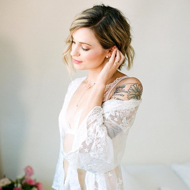 Last image from this gorgeous photoshoot!!⠀ Photo| @katieriveraphoto |@thefindlab ⠀ Florals | @candelariadesigns ⠀ Robe | @Adornedrentals⠀ MUA + Hair | @lindseysharp_ ⠀ #adornedrentals #seebeauty