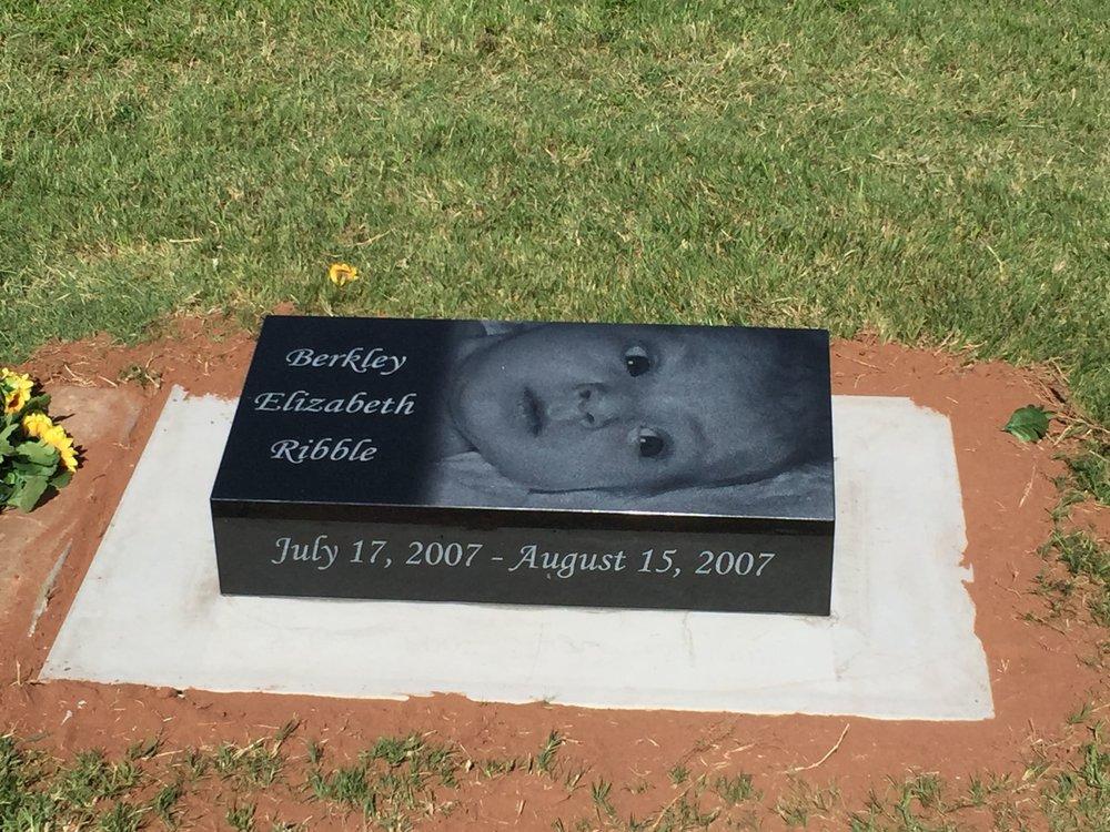 3. Mustang Cemetery, Oklahoma