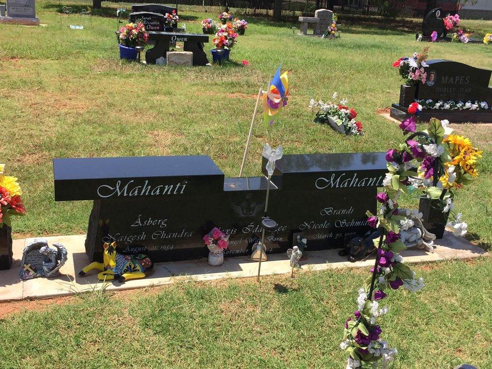17. Mustang Cemetery