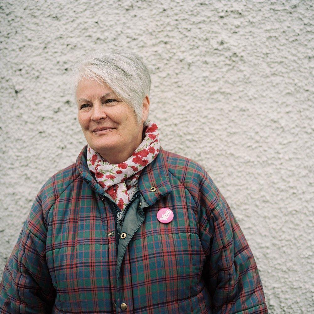 Jacqueline Thomson, Lauder