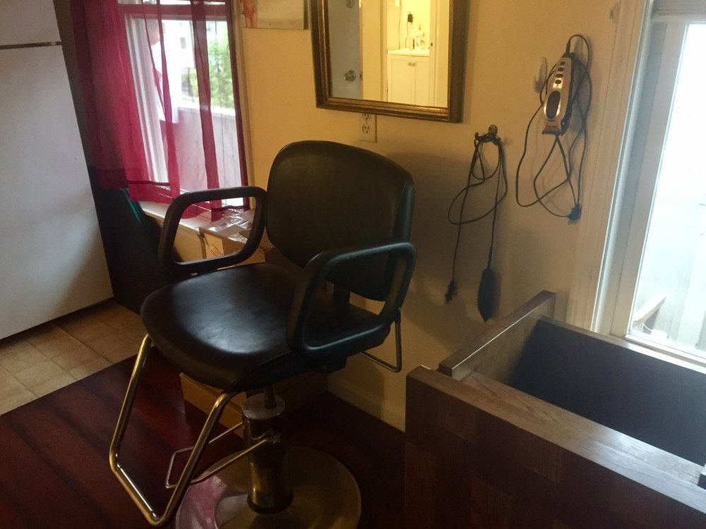 A barbershop style chair in one of the homes for Richie's Recovery.   CREDIT PAIGE SUTHERLAND/NHPR
